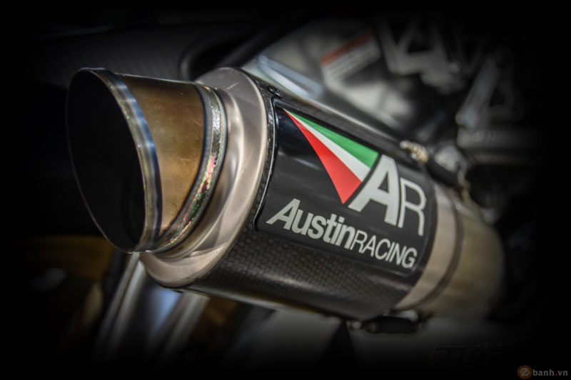 Aprilia RSV4 Factory do sieu chat voi phien ban Max Biaggi Replica - 18