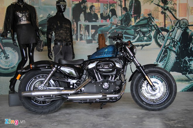 Can canh HarleyDavidson FortyEight duoc giam gia tai Viet Nam