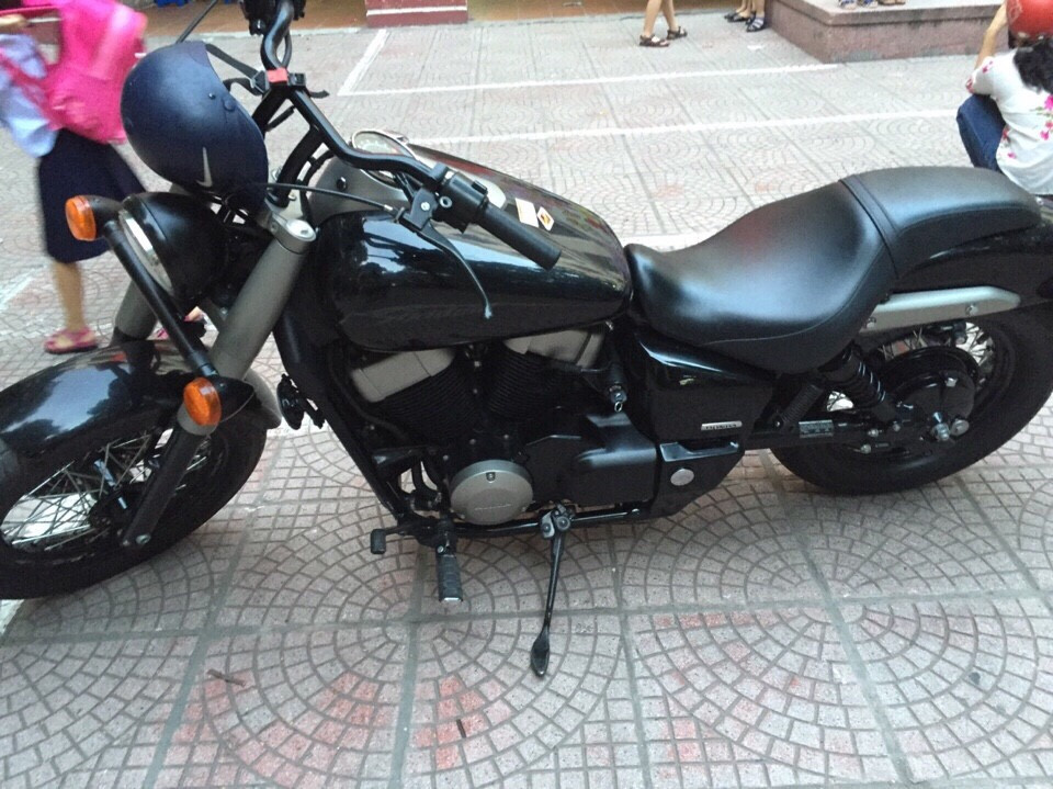Honda Shadow fantom 750 doi 2011 mau den