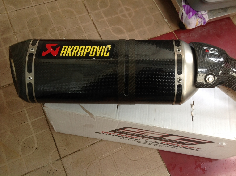 Po Akrapovic chinh hang cho Z800 New 99 Gia re bat ngo - 3