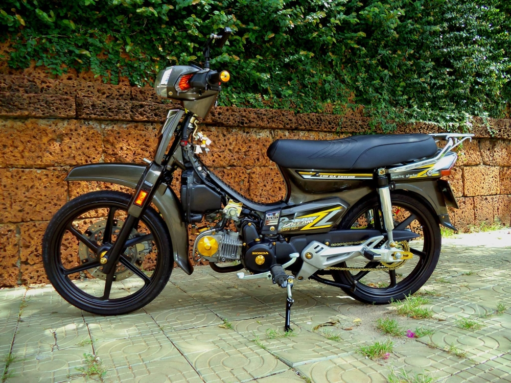 Power Super Dream 125cc Lee QA edition