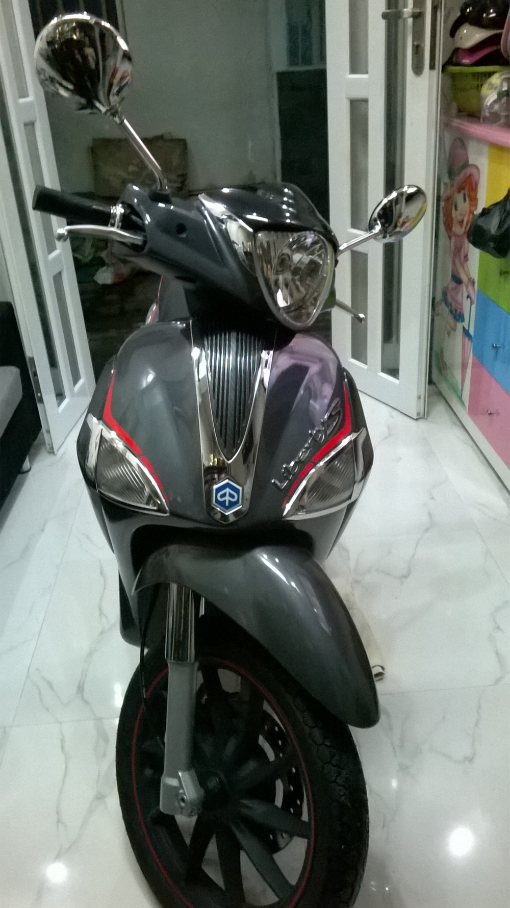 XE LIBERTY 125 3V ie S MAU DEN VIEN DO 2015