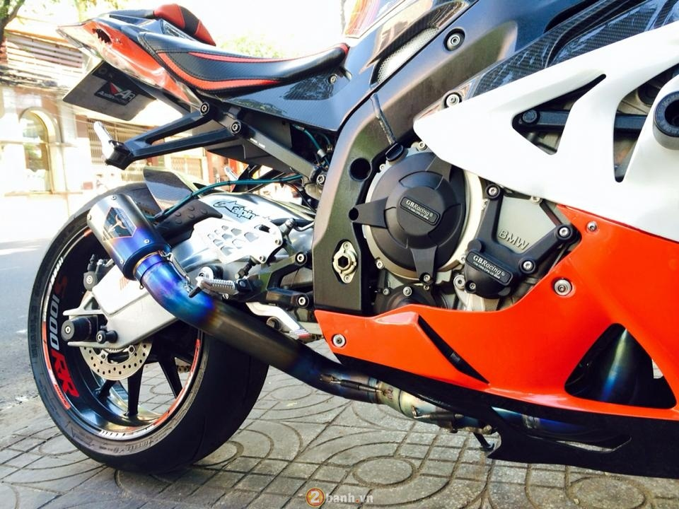 BMW S1000RR ban do dam chat the thao - 3