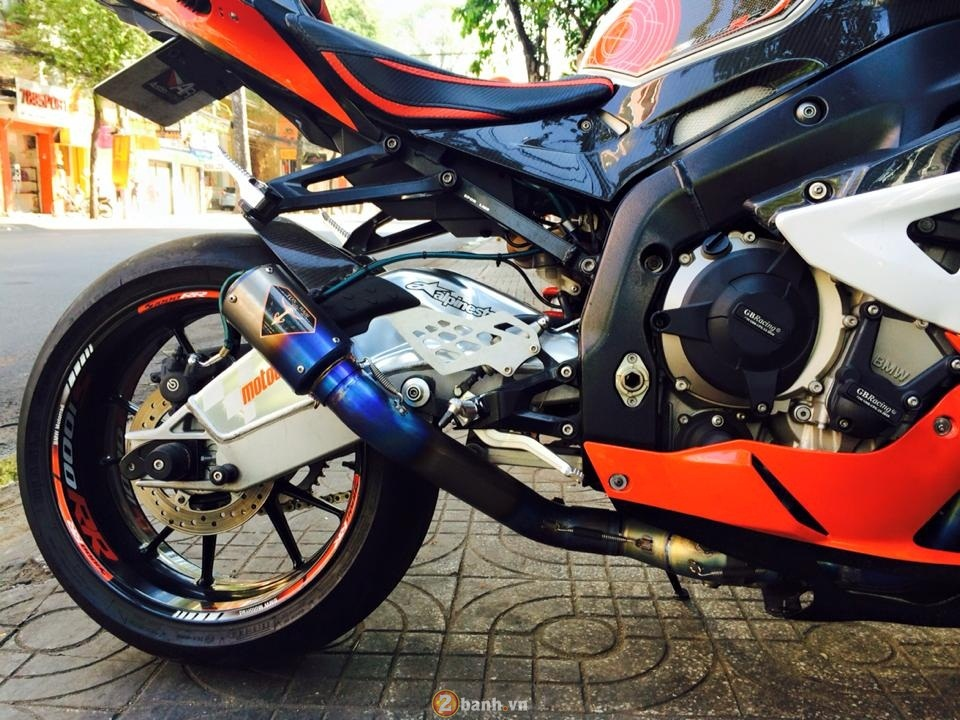 BMW S1000RR ban do dam chat the thao - 9