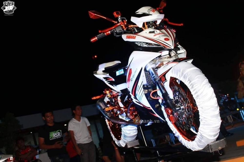 Chiec Exciter 135 do full do choi Racing Boy cua biker nuoc ban