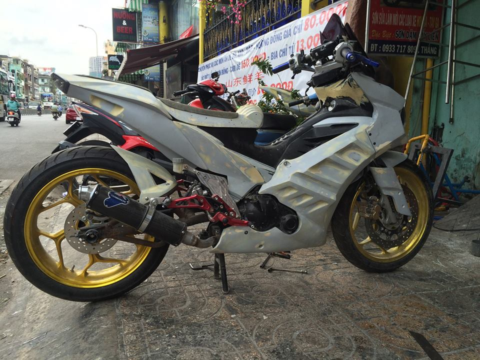 Chiec Exciter 135 do khung dang hinh thanh