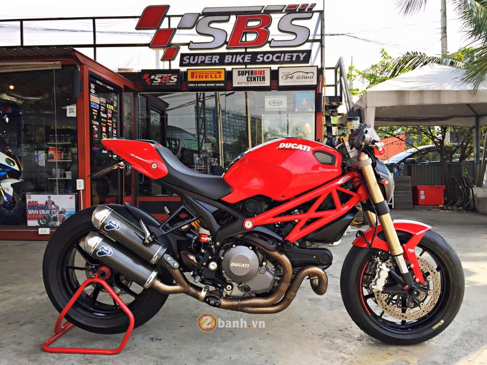 Ducati Monster 1100 do nhe day tinh te cua biker Thai
