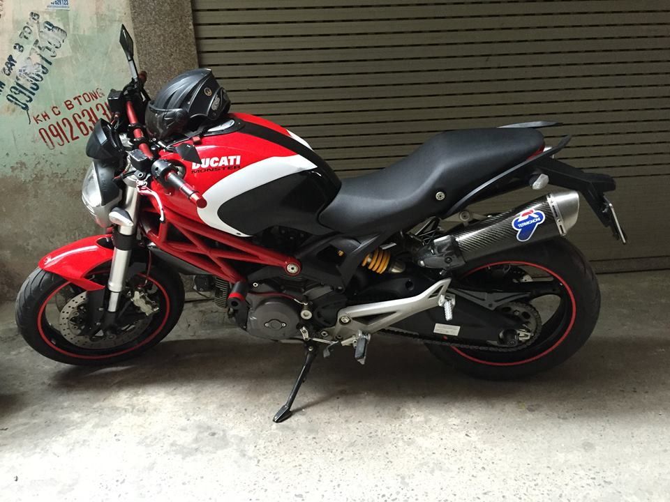 Ducati Monster 795 len tem Ducati cross den do trang