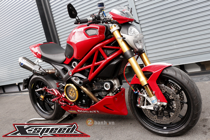 Ducati Monster 796 do tinh te trong tung mon do choi hang hieu