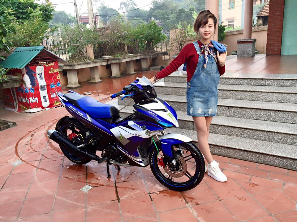 Exciter 150 do nhe so dang Girl xinh ngay tet