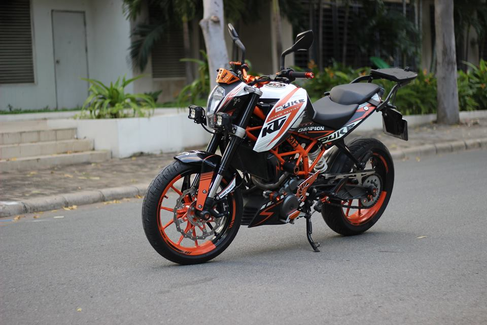 KTM 390 DUKE ABS do Po Akrapovic titanium kem KN USA cung hang ta phu kien