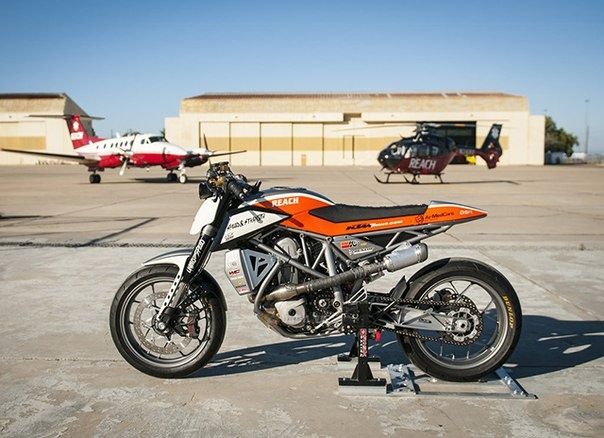 KTM 690 Duke do kich doc voi phong cach Supermotard - 3