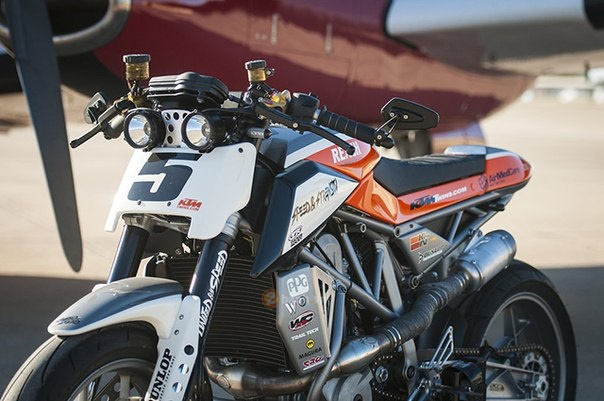 KTM 690 Duke do kich doc voi phong cach Supermotard - 6