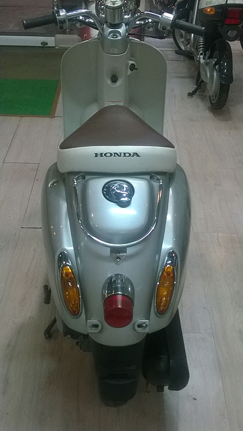 LO HANG XE MAY HONDA SCOOPY VA CREA MOI VE - 3