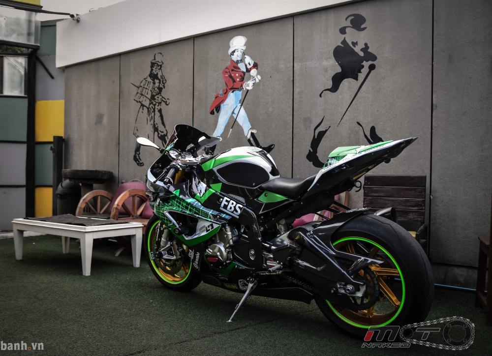 BMW HP4 day phong cach voi ban do Green Racing Performance - 3