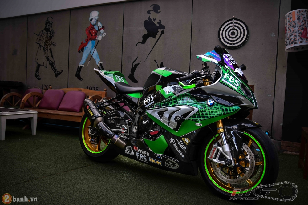 BMW HP4 day phong cach voi ban do Green Racing Performance - 23