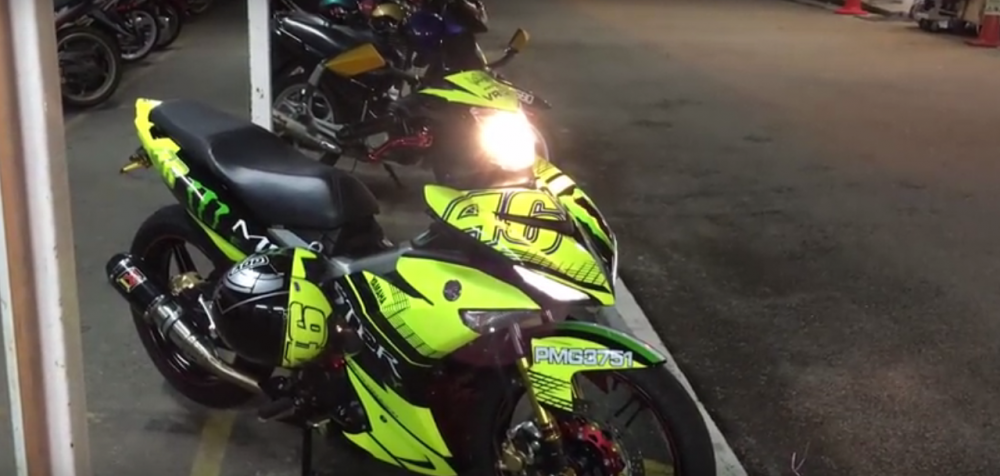 Clip Yamaha Y15ZR do phong cach Monster Rossi cua biker nuoc ban