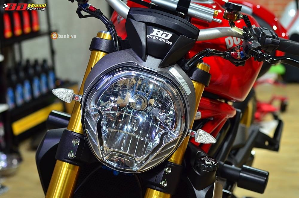 Ducati Monster 1200S do phong cach cung ve ngoai day an tuong - 3