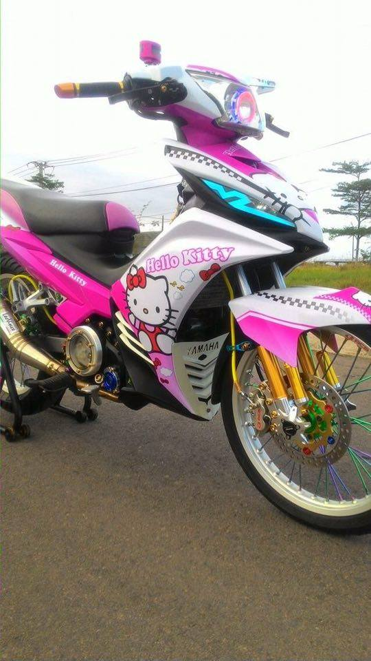 Exciter 135 do phong cach Hello Kitty ca tinh