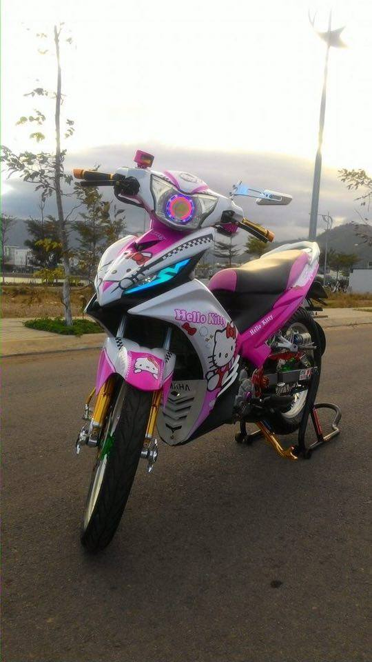 Exciter 135 do phong cach Hello Kitty ca tinh - 3