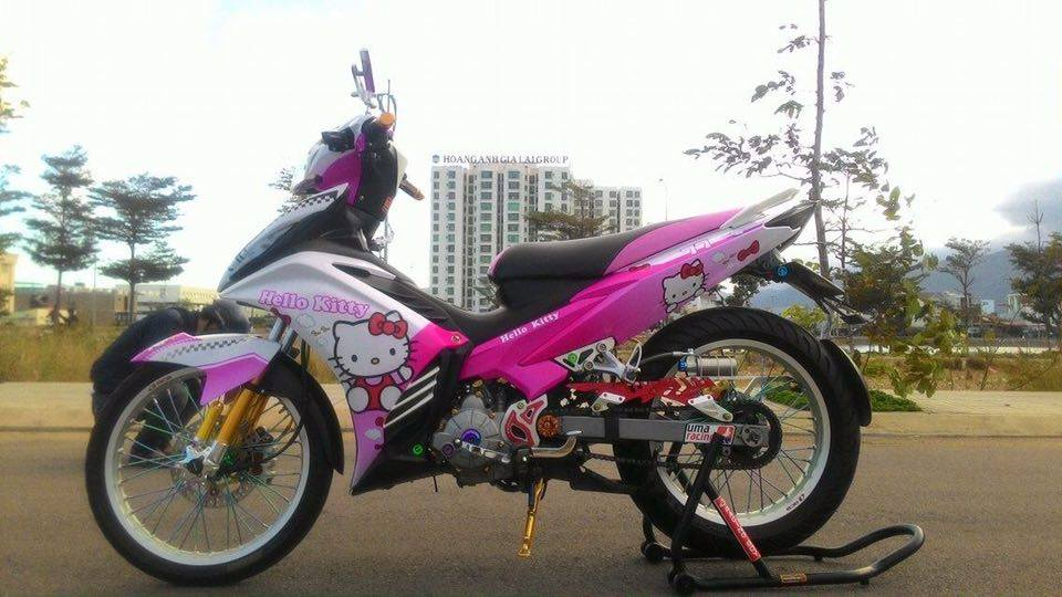 Exciter 135 do phong cach Hello Kitty ca tinh - 5