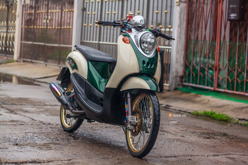 Yamaha Fino do sieu chat voi dan do choi hang hieu