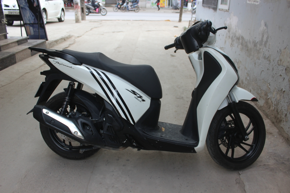 Can ban Honda SH 150i doi 2014 di it