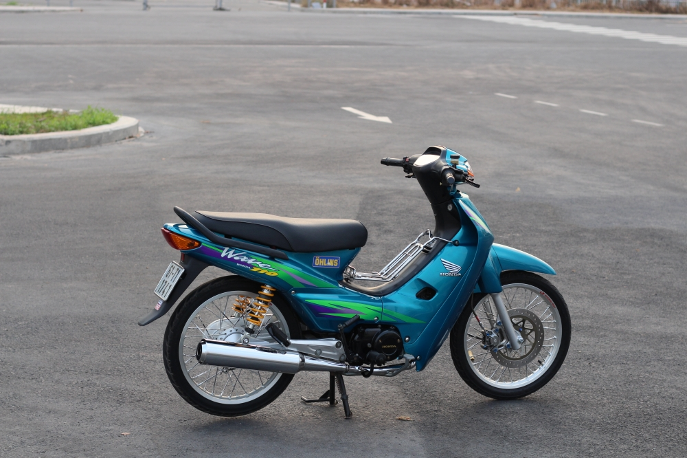 full bo anh ve chiec wave S 110 blue
