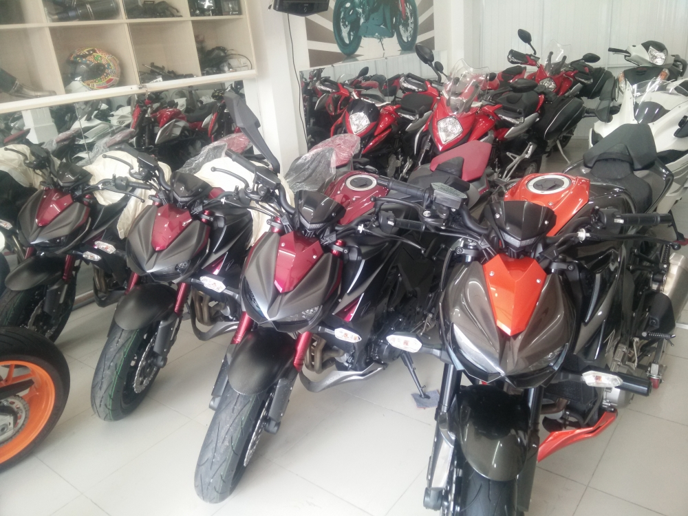 Showroom Motor Ken z1000 than thanh 2016 da co mat tai cua hang - 3