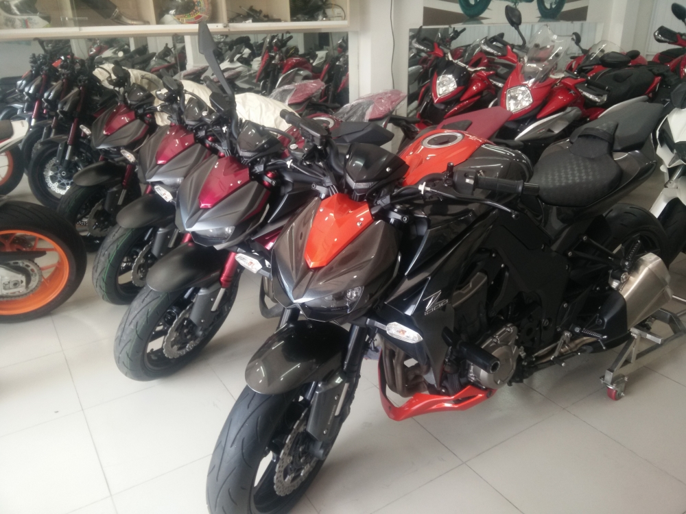 Showroom Motor Ken z1000 than thanh 2016 da co mat tai cua hang - 2