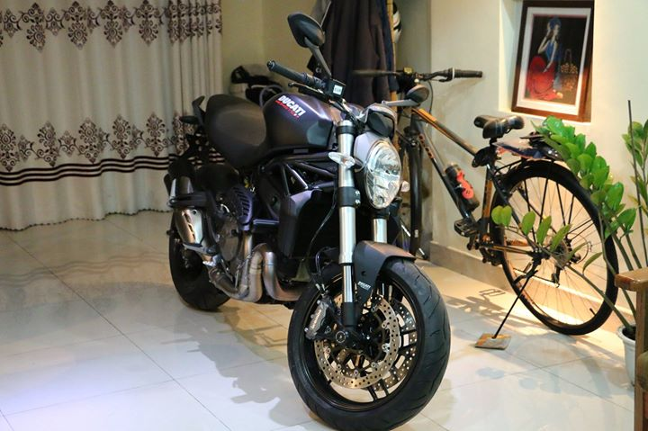 Can ban Ducati Monster 821 den chinh hang Ducati Sai Gon