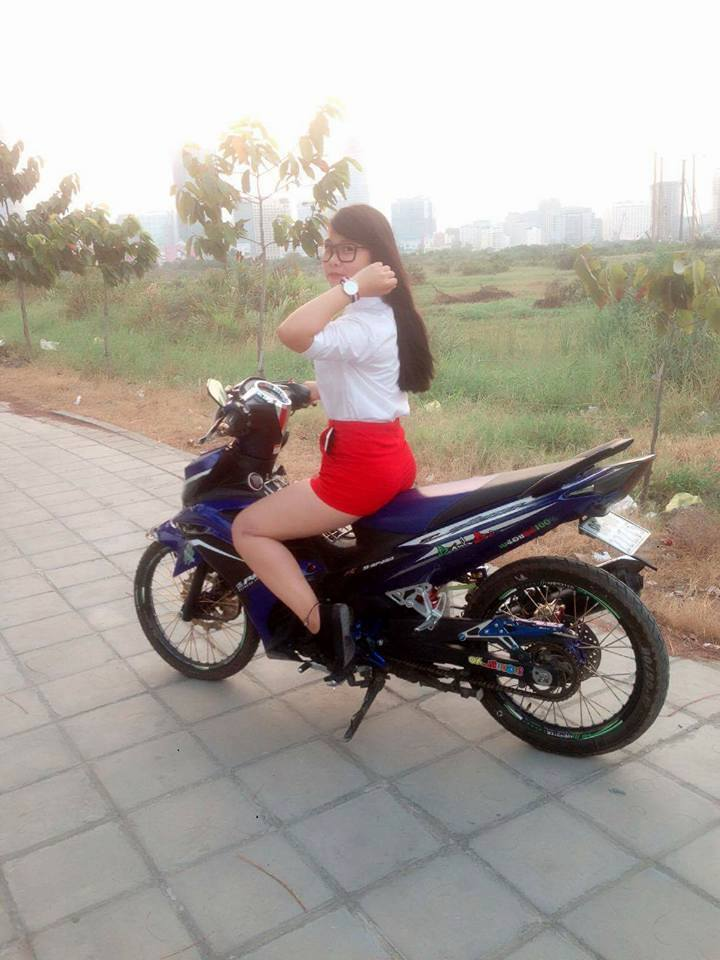 Chiec Exciter 135 che nhua so ke cung nguoi dep - 5