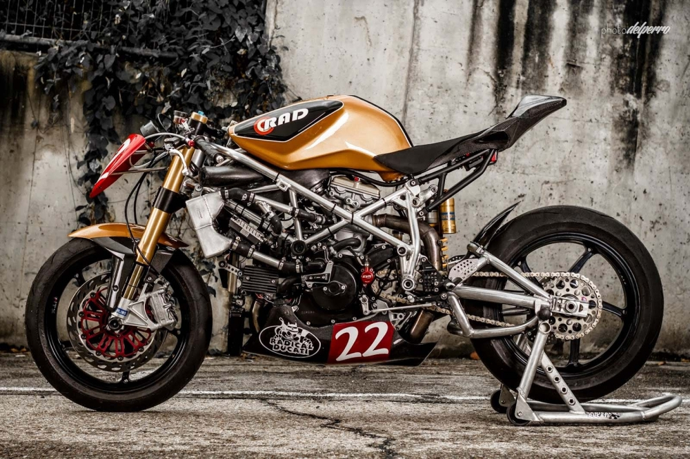 Ducati 1198 do phong cach Cafe Racer cuc chat