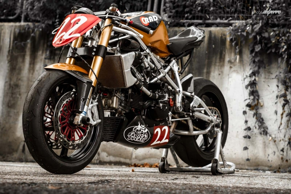 Ducati 1198 do phong cach Cafe Racer cuc chat - 3