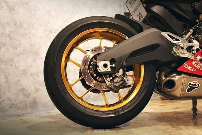 Ducati 899 Panigale cuc chat trong ban do den tu GForce - 8
