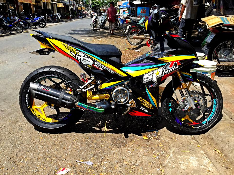 Exciter 150 phong cach Speed Hunters day doc dao va noi bat