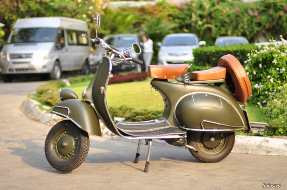 HCMC ban Vespa co hang cuc chat
