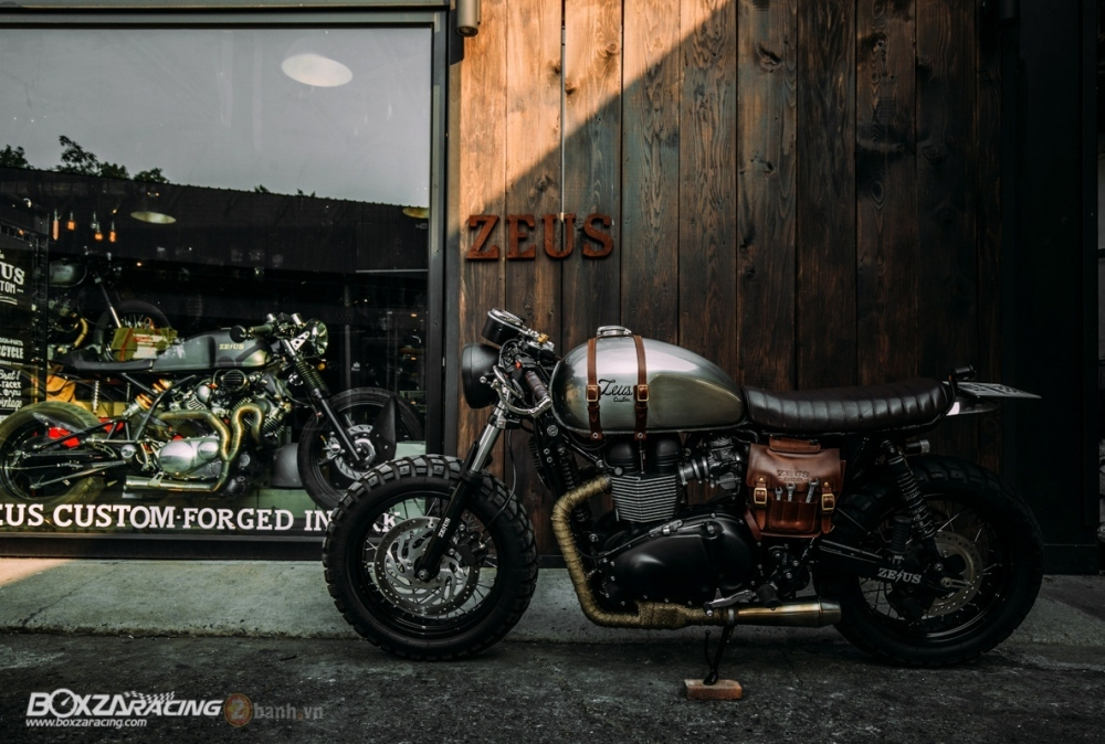 Tuyet tac Triumph Bonneville SE Black do Cafe Race tu Zeus Custom