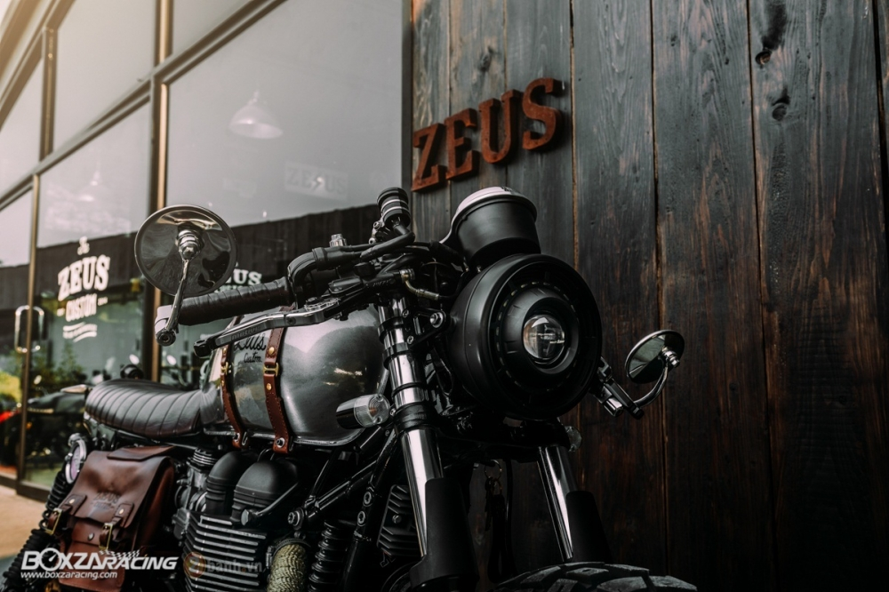 Tuyet tac Triumph Bonneville SE Black do Cafe Race tu Zeus Custom - 4