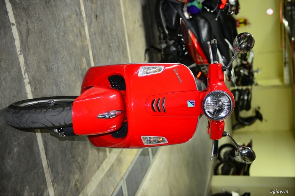 Vespa 125 Gts 3v ie do tuyet dep - 2