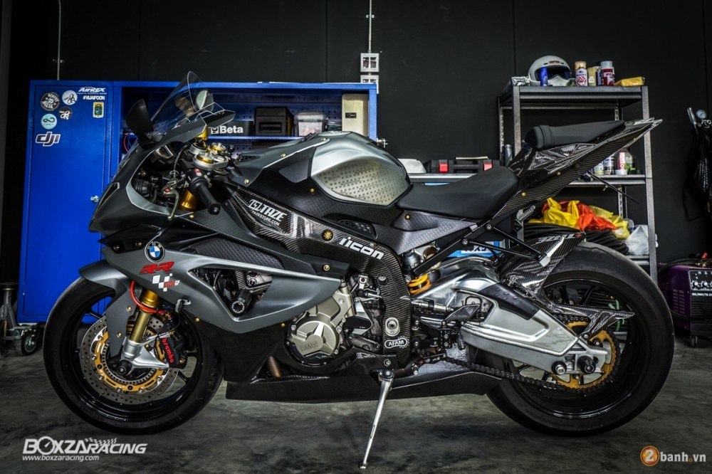 BMW S1000RR do day phong cach trong bo giap hang hieu - 2