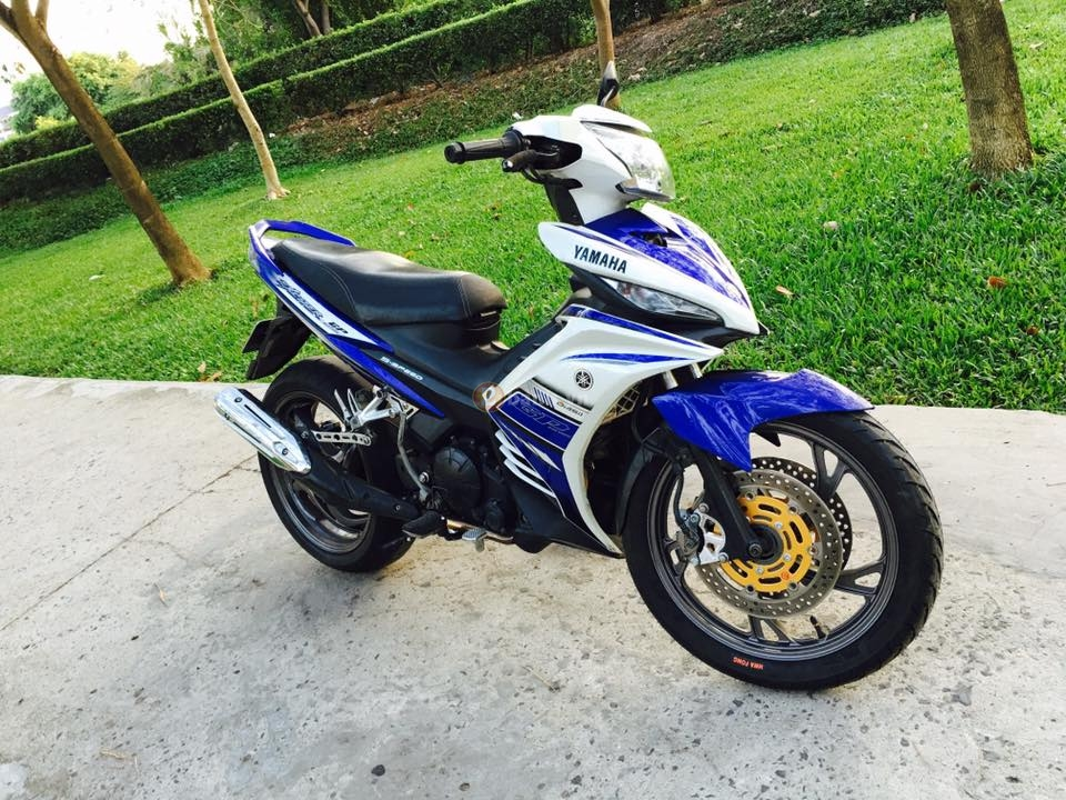 Can canh Exciter 135 do dan chan CB1000R