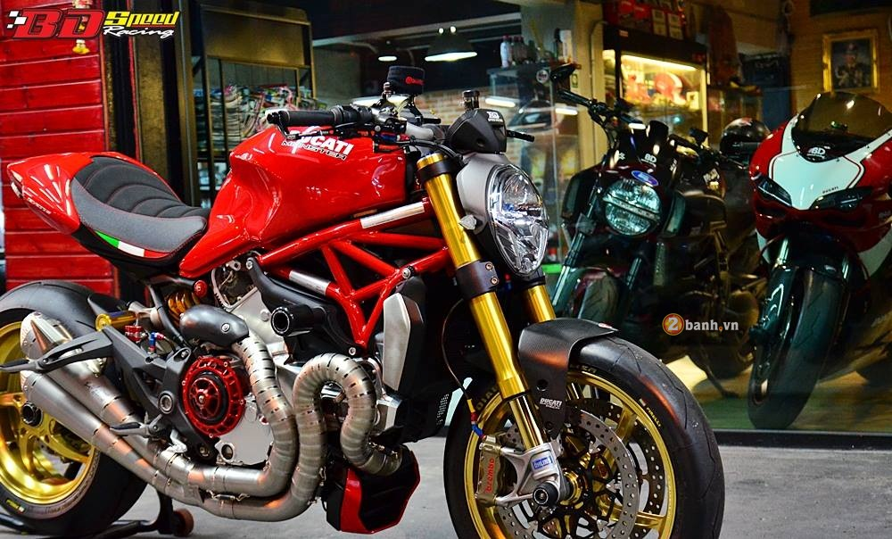Ducati Monster 1200S muot ma voi dan do choi hang hieu