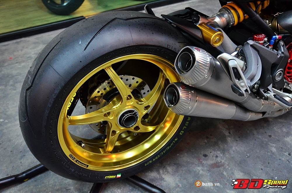 Ducati Monster 1200S muot ma voi dan do choi hang hieu - 21