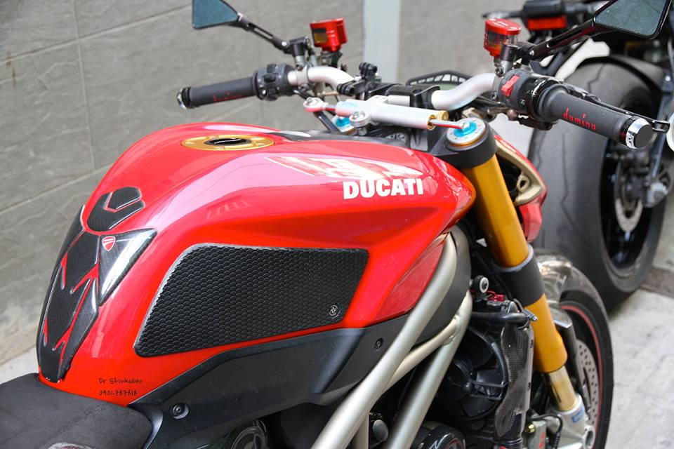 Ducati Street Fighter S ham ho voi ban do day du do choi khung - 5