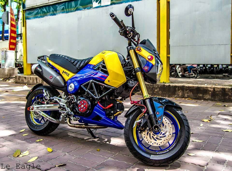 Honda MSX son Air Brush noi bat cung nhieu phu kien do choi