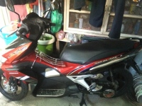 Nha chat ban Honda Airblade 2008 do - 2
