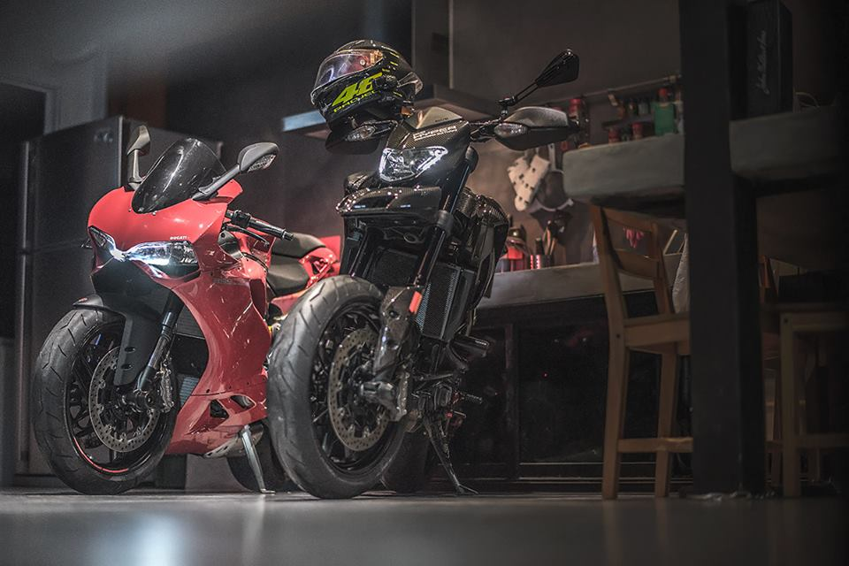 Ve dep hut hon cua Ducati Hypermotard do full carbon tai Thai Lan - 9