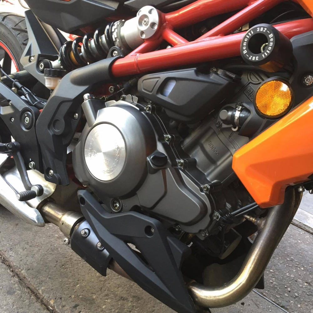 Ban nhanh Benelli BN302 ODO 300km