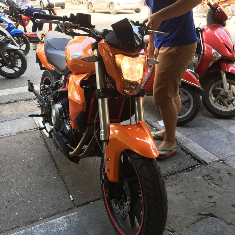 Ban nhanh Benelli BN302 ODO 300km - 3
